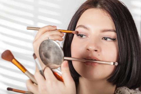 Geld verdienen von zu Hause - Kosmetik Verkauf